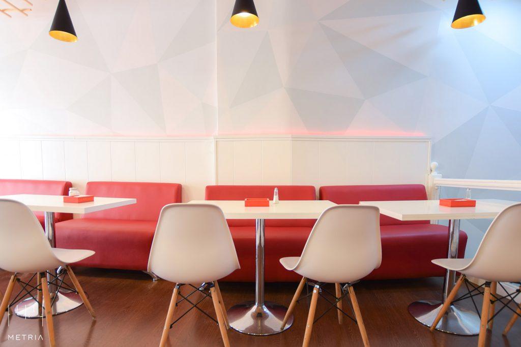 Proyecto de Interiorismo bar, crepería, pared pintada